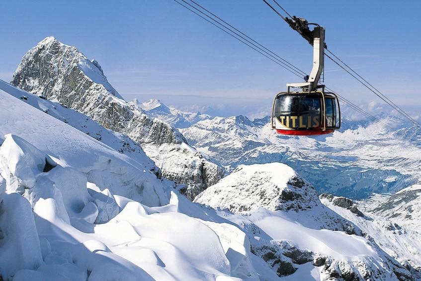 Foto 3 von 10 laden Mount Titlis Day Trip from Zurich