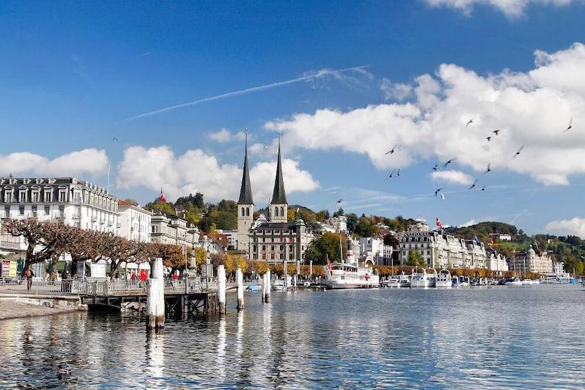 Foto 4 von 10 laden Lucerne Day Trip with Yacht Cruise