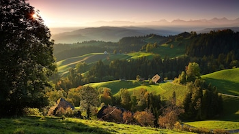 Tagesausflug in kleiner Gruppe in die Bundesstadt Bern und durch die Landsc...