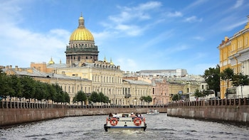 Canal&River Cruise with Private guide in St.Petersburg