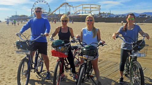 Group on the Private Electric Bike Tour of Santa Monica and Venice Beach
