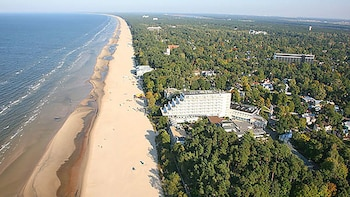 Jurmala & Baltic Riviera Guided Private Tour from Riga
