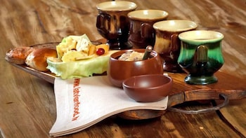 Traditionelles lettisches Abendessen mit privatem Hin- und Rücktransfer