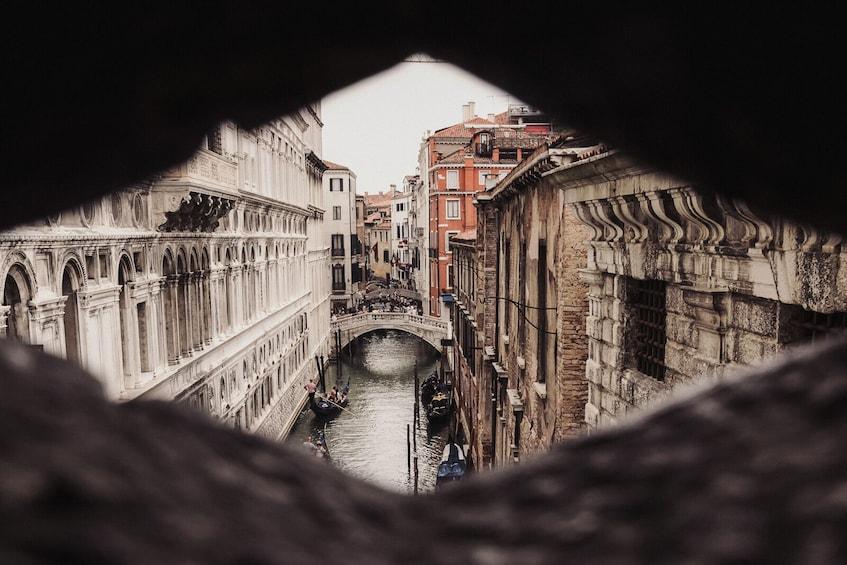 Foto 1 von 10 laden Legendary Venice: St. Mark's Basilica & Doge's Palace Small-Group Tour