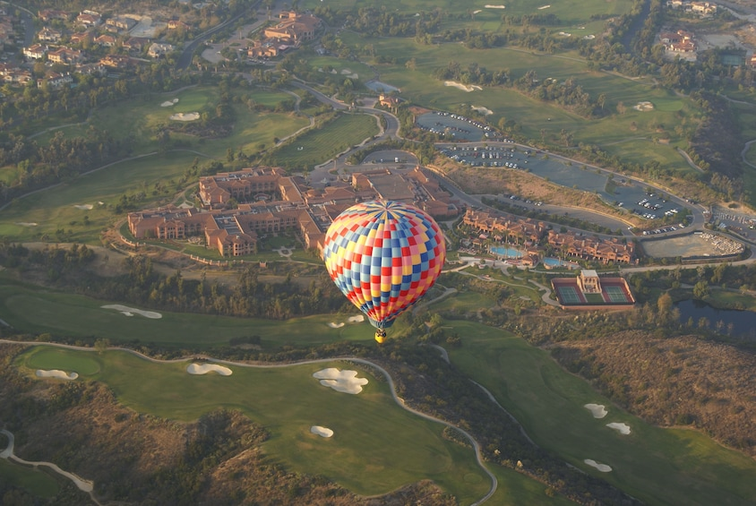 Carregar foto 5 de 10. Sunset Hot Air Balloon Ride in Del Mar San Diego