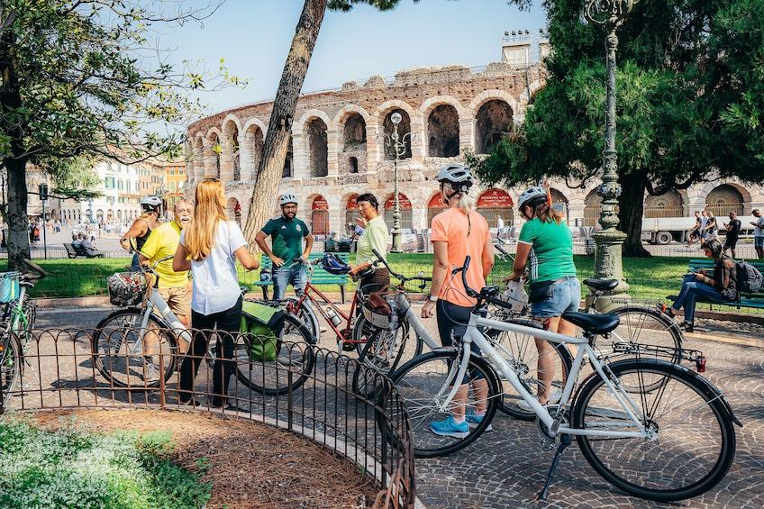 Foto 3 von 10 laden Verona Bike Tour