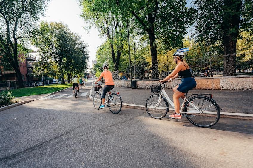 Foto 4 von 10 laden Verona Bike Tour