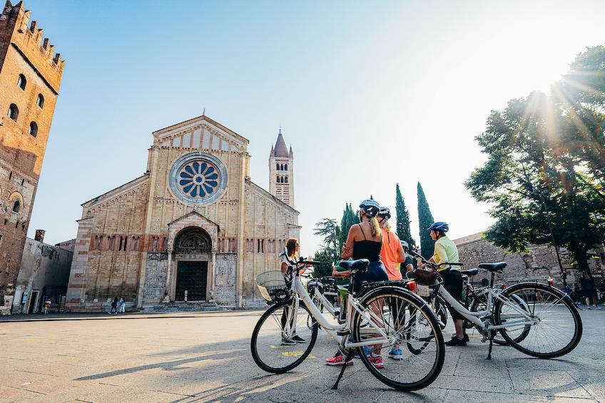 Foto 1 von 10 laden Verona Bike Tour