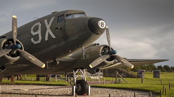 Normandy D-Day and World War 2: A Day Trip (Private Tour)