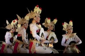 Tour serale di Ubud con spettacolo di Legong e Ramayana