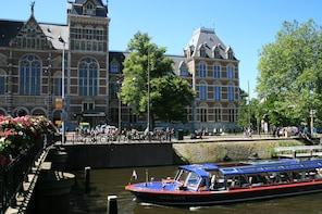Blue Boat Company grachtenrondvaart en Rijksmuseum