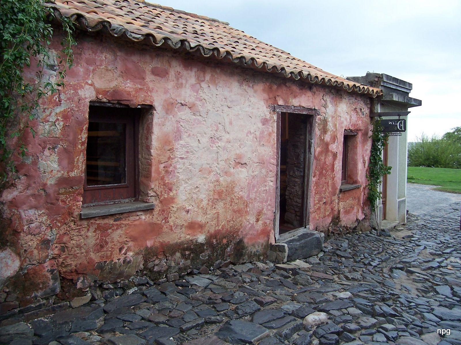 Colonia_Del_Sacramento,_Uruguay_-_panoramio_(1).jpg