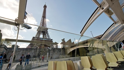 sightseeing boat in paris