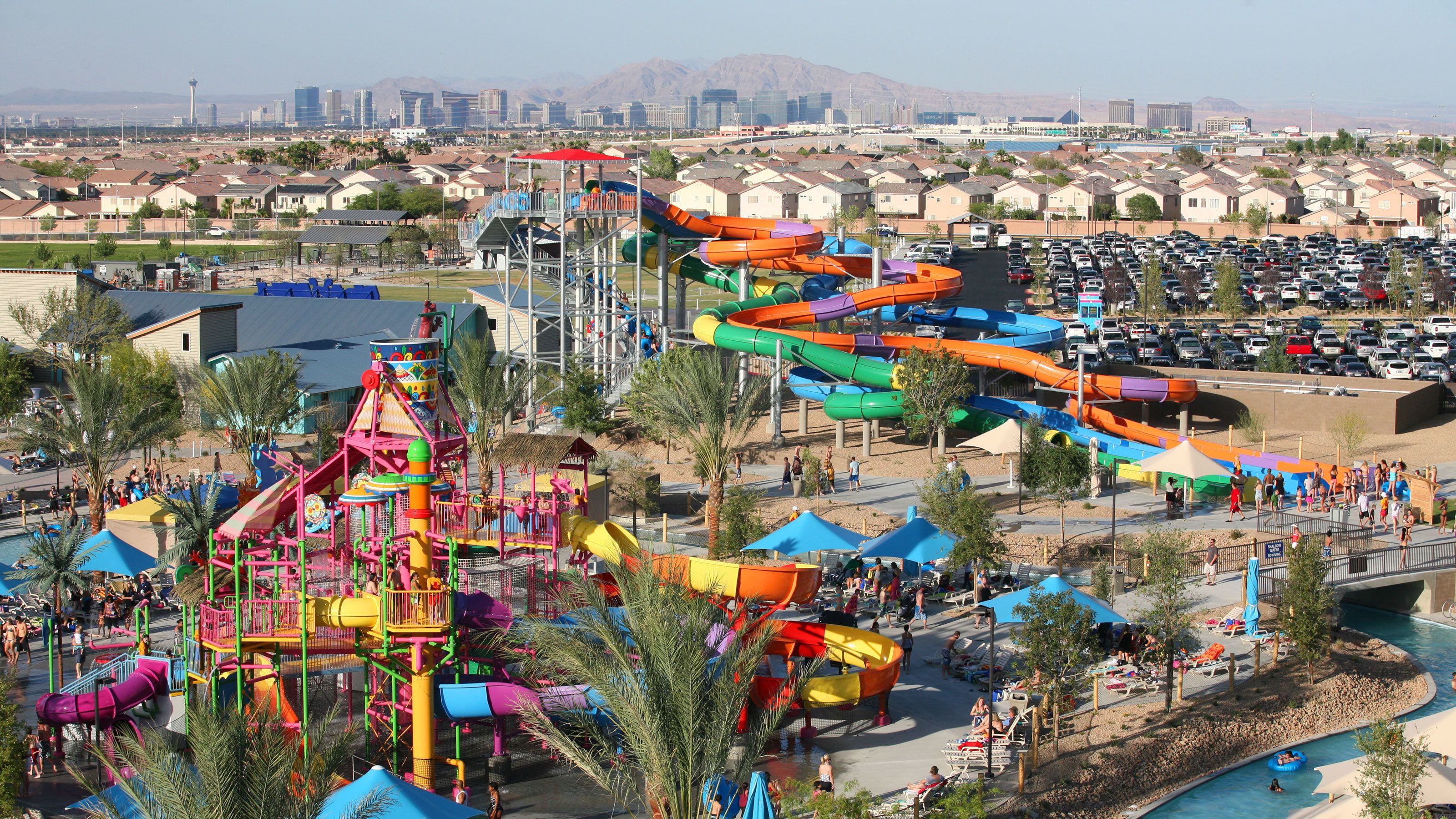 multiple varieties of water slides at the waterpark in Las Vegas