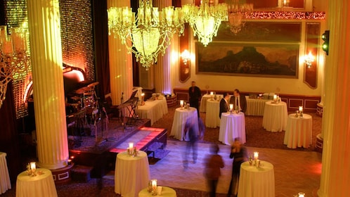 View of the dining area at a 4-course Turkish dinner in Istanbul