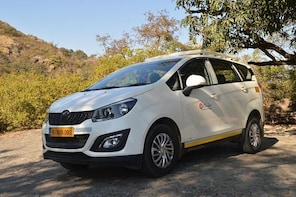 Private A/c Mount Abu Fullday Local Sight seeing ( 6 Seat A/c Suv)