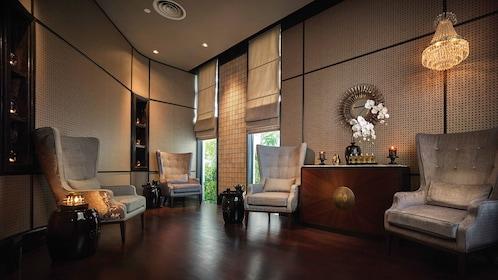 Lounge chairs and room at the Pañpuri Organic Spa Penang
