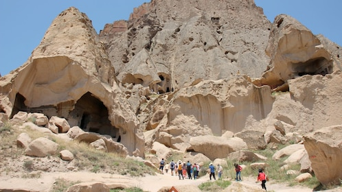 Day view of a tour group on Ihlara Valley tour in Cappadocia