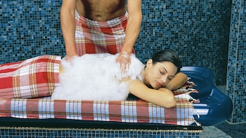 Turkish Bath Experience with 20 Minute Oil Massage