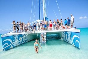 Family Catamaran & Snorkelling Cruise Turks & Caicos