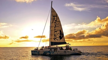 Croisière en catamaran au crépuscule avec bar ouvert