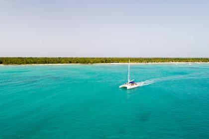Saona Island Speedboat & Catamaran with Natural Pool Swim