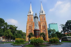 5 Day Ho Chi Minh, Cu Chi Tunnels & Can Tho
