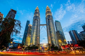 Exotic Kuala Lumpur & Melaka 17 Hrs Fun Car Tour from Ipoh