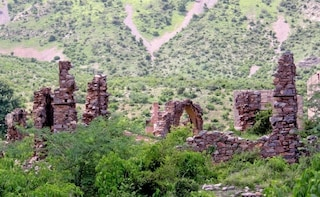 Day Trip To Haunted Bhangarh Fort