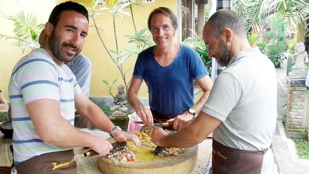 Jambangan Bali Cooking Class with Market Visit & Transfer