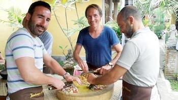 Jambangan Bali-madlavningskursus med besøg på marked og transport