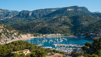 Panoramic tour to Port of Soller and Valldemossa