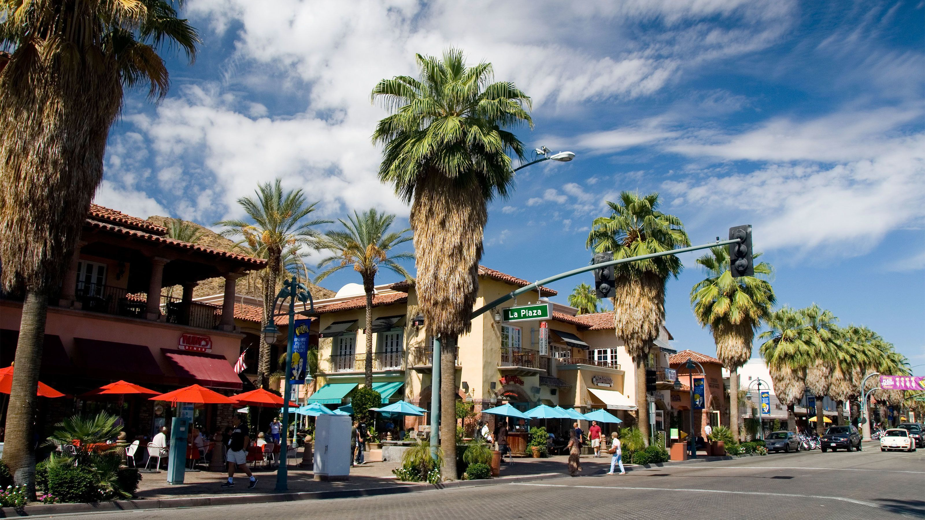 Palm Springs and Outlet Shopping Day Trip from Los Angeles