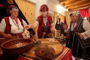 Bansko: Traditional Folklore Evening with Deshka