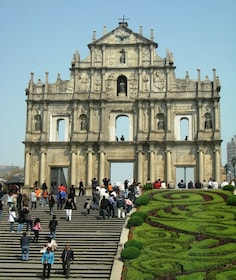 Experience Macao Historical Sightseeing & Landmarks Tour (no