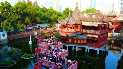 crowded bridge in Shanghai