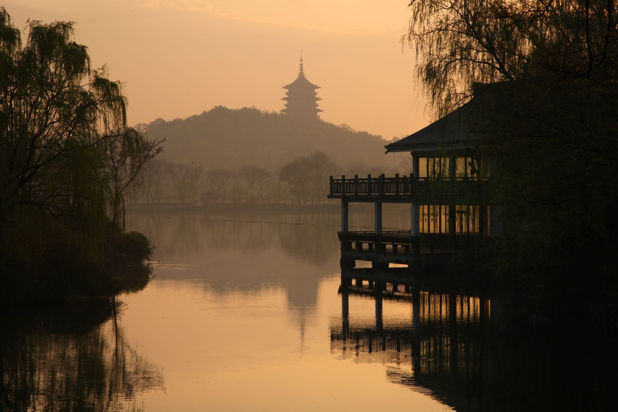 Hangzhou Full-Day Coach Tour from Shanghai