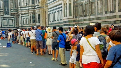 long lines on the street in Florence