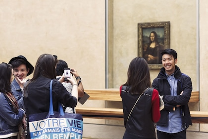 Tours from Home Live: The Highlights of the Louvre Museum