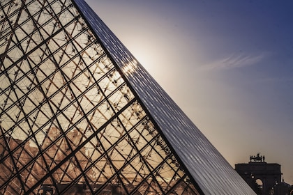 Live Online Tour: The Highlights of the Louvre Museum