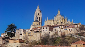 Private 3-hour Walking Tour of Segovia with official guide