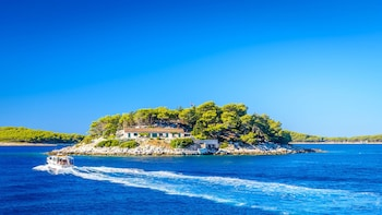 Private 3 Islands:Hvar, Pakleni & Brac with Mercan 34 boat