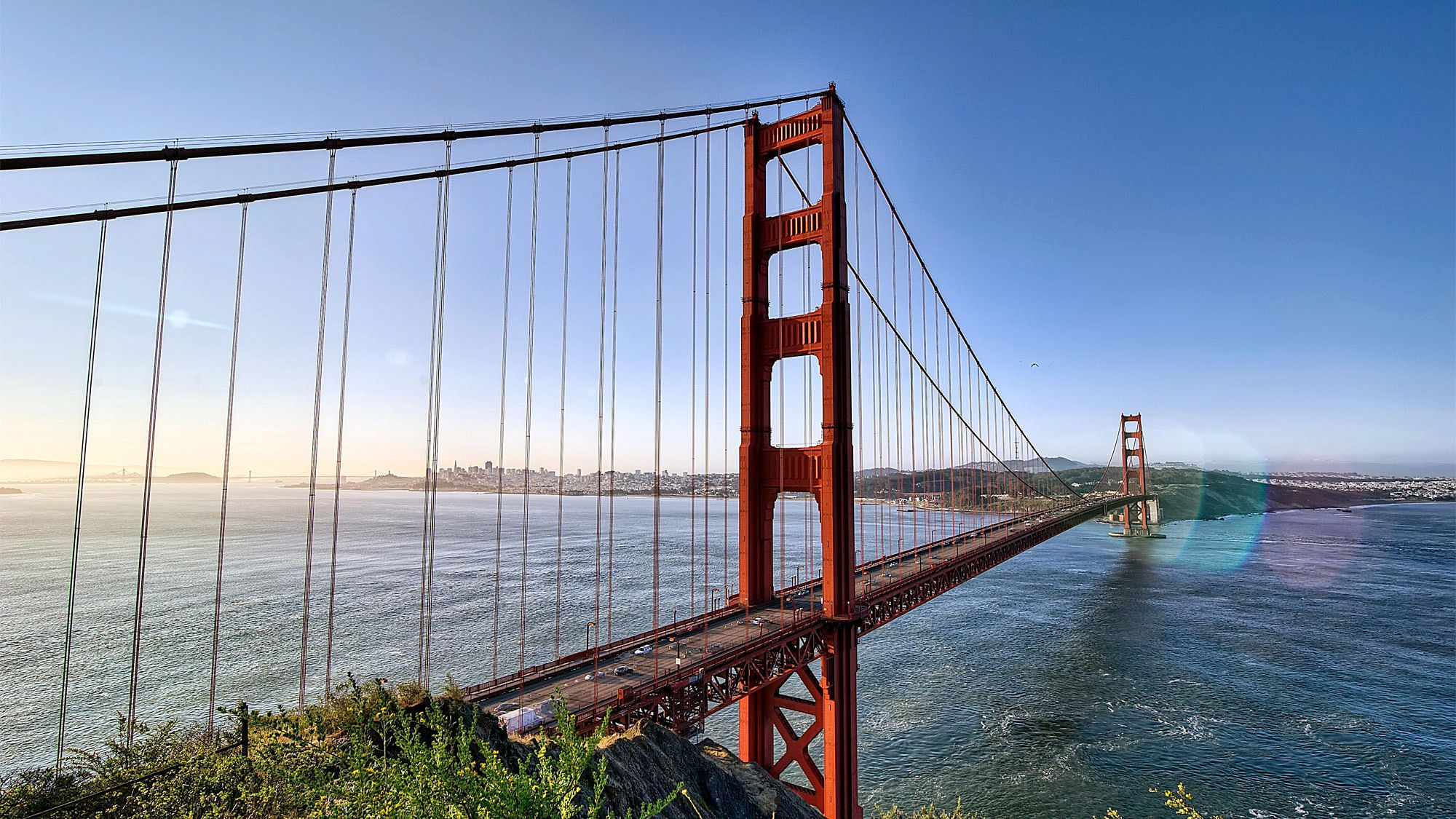Stunning view of the Golden Gate Bridge on a clear day in San Francisco