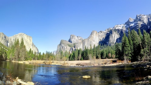 Stunning rock formations and view at Yosemite National Park during a sunny day at the Yosemite Village