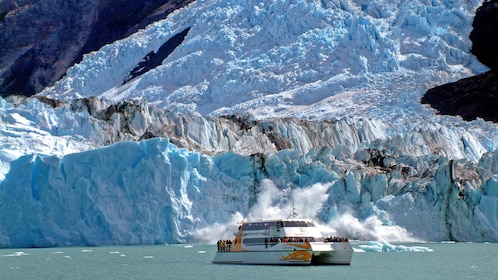 View of a boat on the Argentino Lake