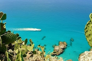 Exclusive tour, in the bay in Tropea, only you and your family. CovidFree b...