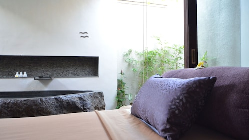 Spa bed at the Amala in Bali