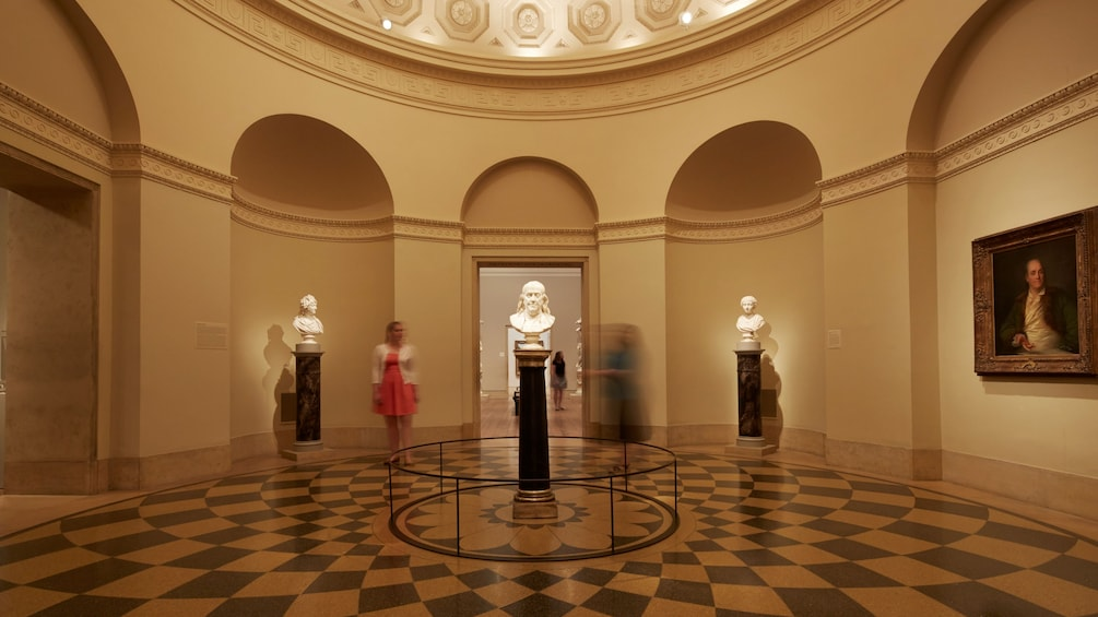 Interior rotunda with a bust of Benjamin Franklin at the Philadelphia Museum of Art
