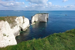 Private tour from Portsmouth: Sandbanks, Studland, Swanage, Corfe and Minst...
