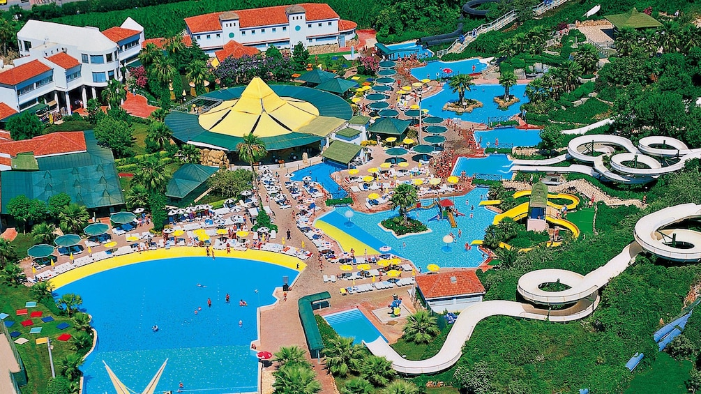 Apri foto 1 di 5. Aerial view of Aqualand Waterpark in Marmaris